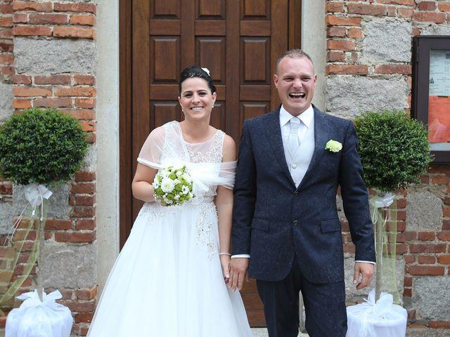 Il matrimonio di Davide e Elona a Angera, Varese 13