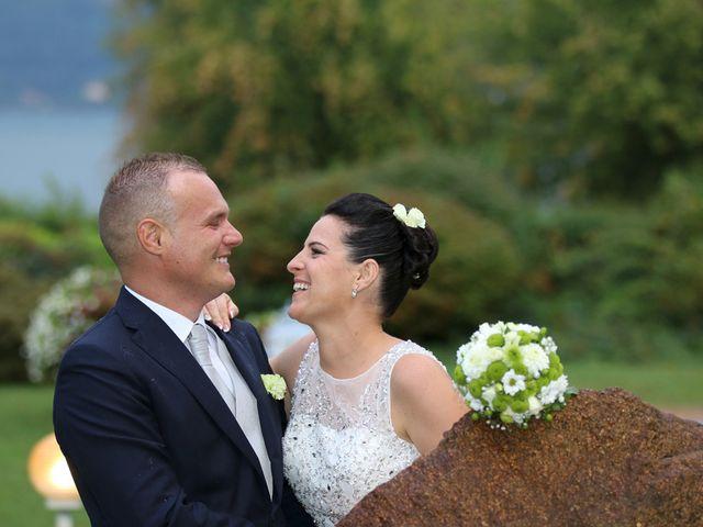 Il matrimonio di Davide e Elona a Angera, Varese 20