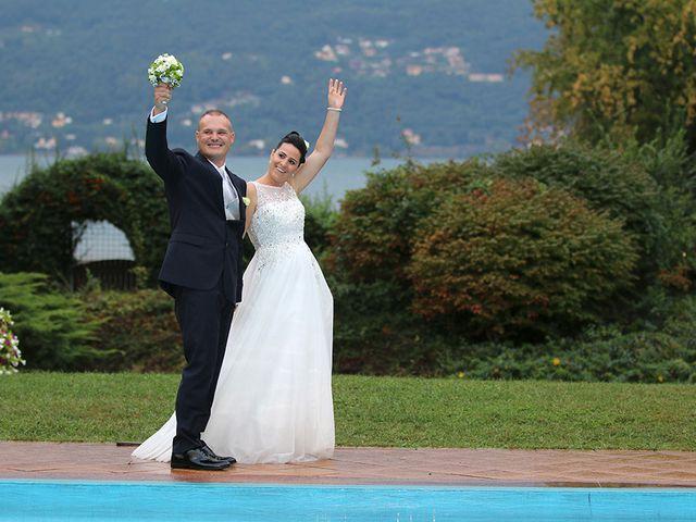 Il matrimonio di Davide e Elona a Angera, Varese 23