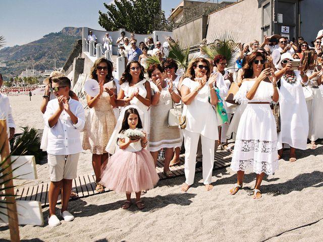 Il matrimonio di Ivan e Giuliana a Letojanni, Messina 7