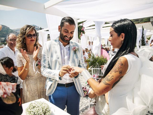 Il matrimonio di Ivan e Giuliana a Letojanni, Messina 25