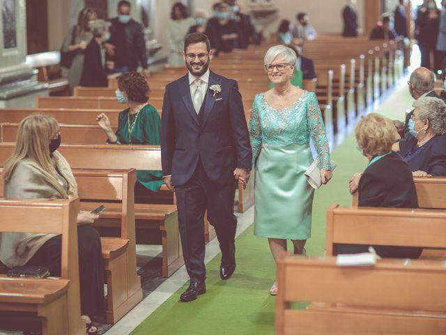 Il matrimonio di Ivana e Giuseppe a Triggiano, Bari 14