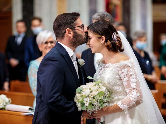 Il matrimonio di Ivana e Giuseppe a Triggiano, Bari 17