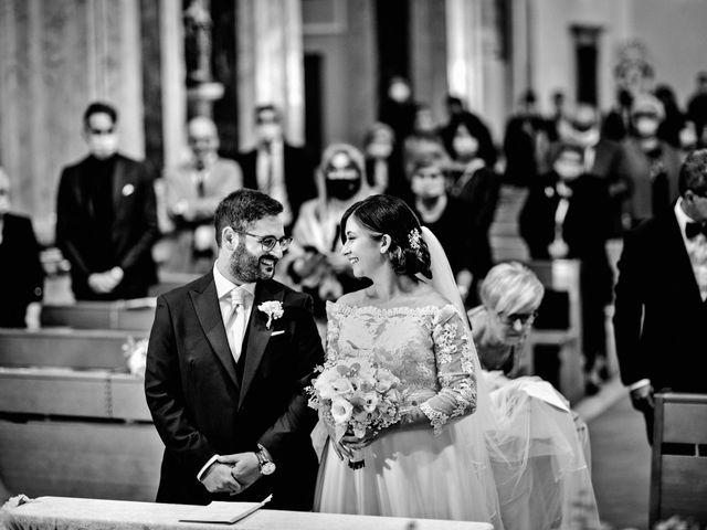 Il matrimonio di Ivana e Giuseppe a Triggiano, Bari 18