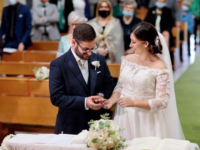 Il matrimonio di Ivana e Giuseppe a Triggiano, Bari 21