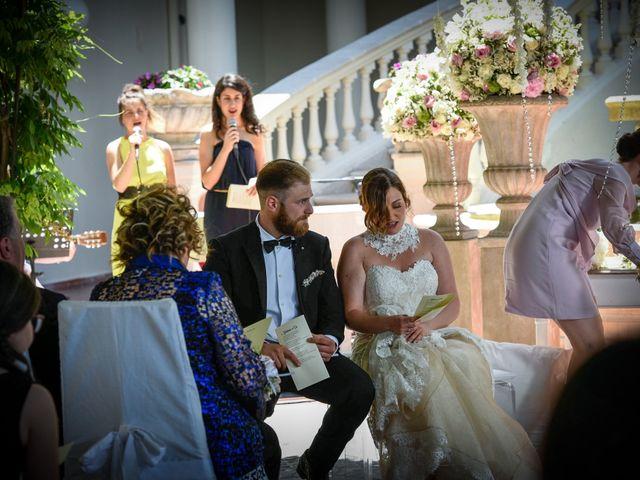 Il matrimonio di Giuseppe e Debora a Grottaminarda, Avellino 28