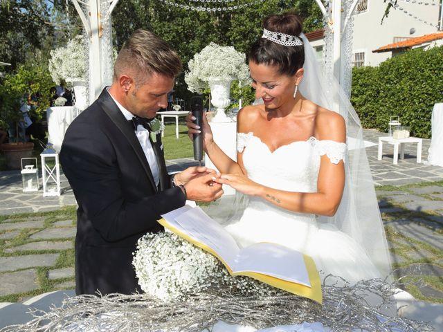 Il matrimonio di Marco e Jennifer a Massarosa, Lucca 16