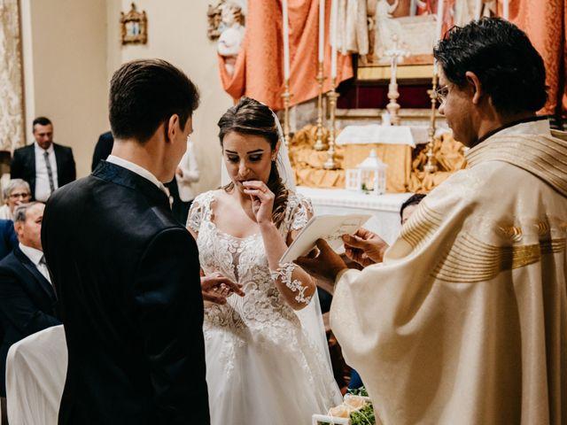 Il matrimonio di Francesco e Ilaria a Bellante, Teramo 32