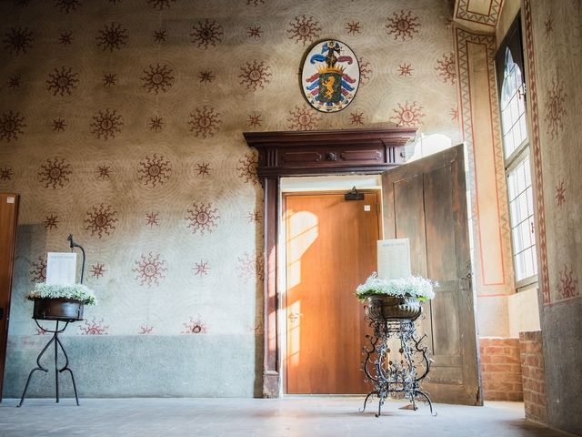 Il matrimonio di Francesco e Sara a Castel San Giovanni, Piacenza 30