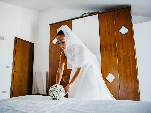 Il matrimonio di Enrico e Jenny a Morro d'Oro, Teramo 11