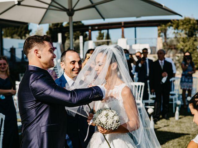 Il matrimonio di Enrico e Jenny a Morro d'Oro, Teramo 27