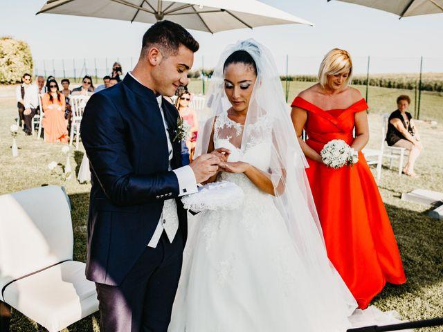 Il matrimonio di Enrico e Jenny a Morro d'Oro, Teramo 32
