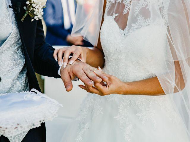 Il matrimonio di Enrico e Jenny a Morro d'Oro, Teramo 33