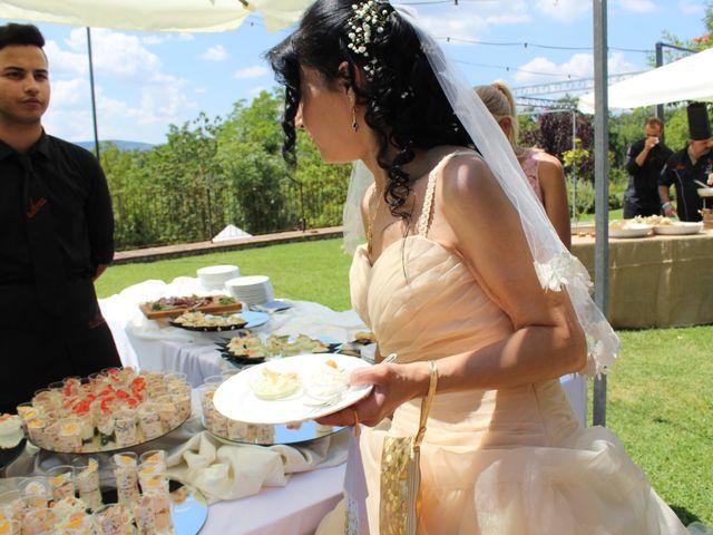 Il matrimonio di Ergyst e Kathryn a Poggibonsi, Siena 11