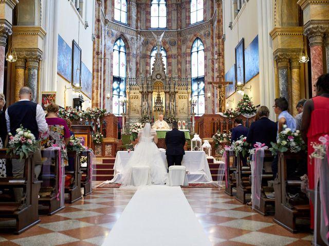 Il matrimonio di Carlo e Elisabetta a Pasiano di Pordenone, Pordenone 21