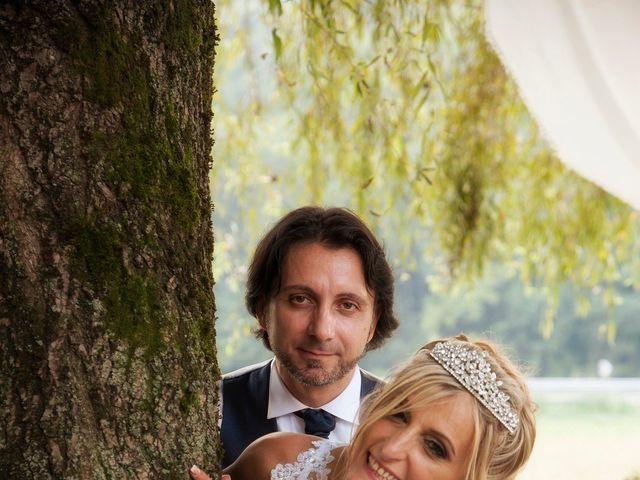 Il matrimonio di Carlo e Tiziana a Cassano Valcuvia, Varese 16