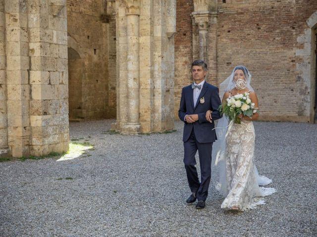 Il matrimonio di Paul e Chiara a Chiusdino, Siena 16
