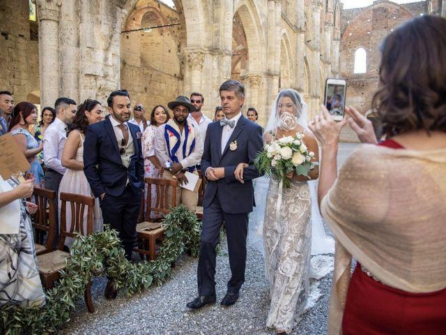 Il matrimonio di Paul e Chiara a Chiusdino, Siena 18