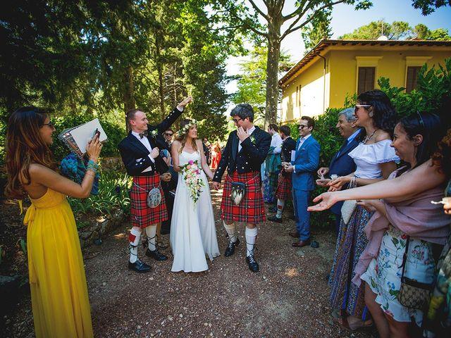 Il matrimonio di Tom e Sarah a Chianni, Pisa 23