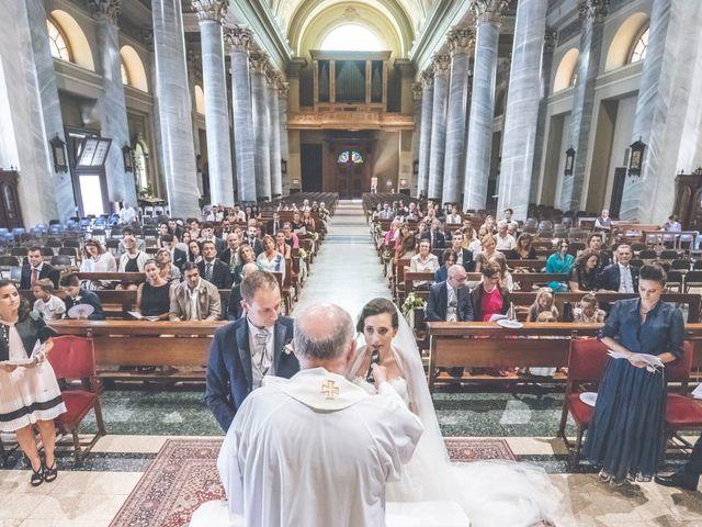 Il matrimonio di Manuele e Martina a Brugherio, Monza e Brianza 30