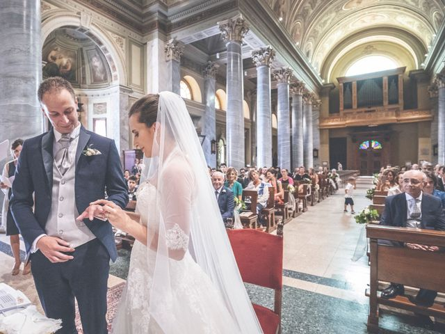 Il matrimonio di Manuele e Martina a Brugherio, Monza e Brianza 32