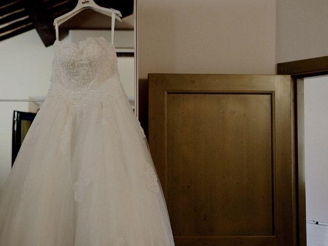 Il matrimonio di John e Yao a Ostra Vetere, Ancona 2