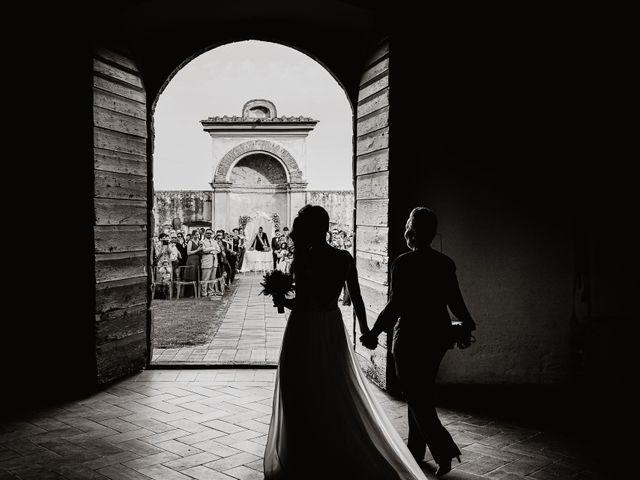 Il matrimonio di Mirco e Viola a Poggio a Caiano, Prato 15