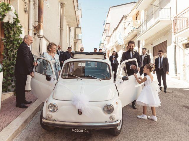 Il matrimonio di Laura e Enzo a Vallelunga Pratameno, Caltanissetta 25