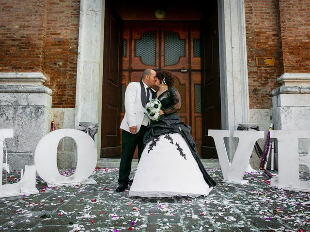 Il matrimonio di Michele e Daniela a Comacchio, Ferrara 29