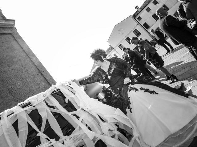Il matrimonio di Michele e Daniela a Comacchio, Ferrara 31