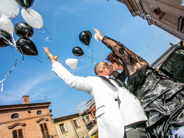 Il matrimonio di Michele e Daniela a Comacchio, Ferrara 32