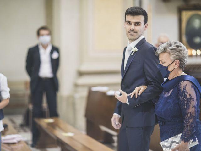 Il matrimonio di Luca e Chiara a Belgioioso, Pavia 25
