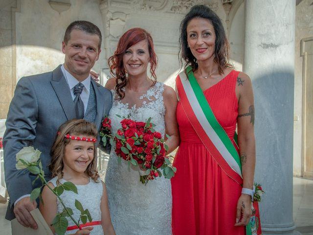 Il matrimonio di Roberto  e Manuela a Seravezza, Lucca 8