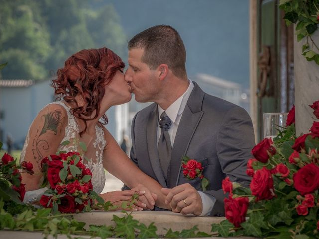 Il matrimonio di Roberto  e Manuela a Seravezza, Lucca 9