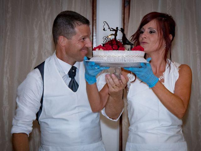 Il matrimonio di Roberto  e Manuela a Seravezza, Lucca 15