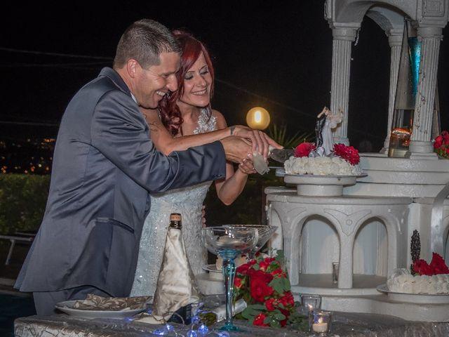 Il matrimonio di Roberto  e Manuela a Seravezza, Lucca 18