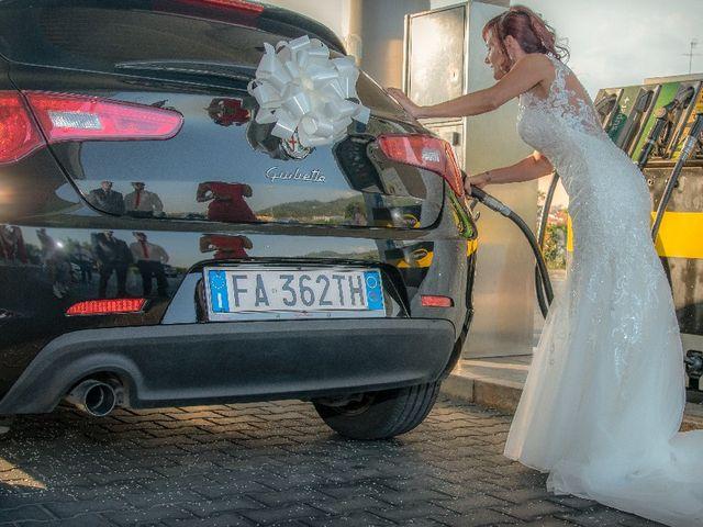 Il matrimonio di Roberto  e Manuela a Seravezza, Lucca 22
