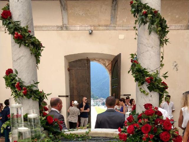 Il matrimonio di Roberto  e Manuela a Seravezza, Lucca 25