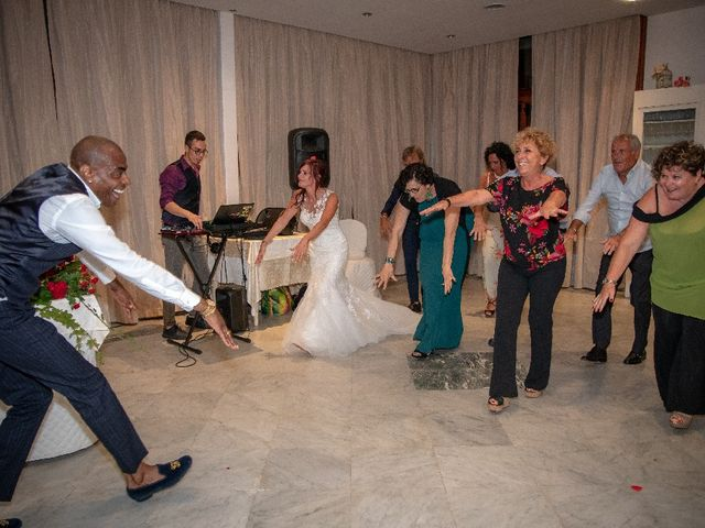 Il matrimonio di Roberto  e Manuela a Seravezza, Lucca 30