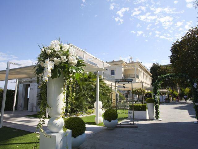 Il matrimonio di Antonio e Elisa a Napoli, Napoli 1