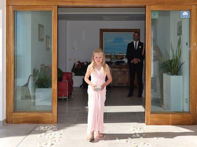 Il matrimonio di Erika e Coy a Massa Lubrense, Napoli 38