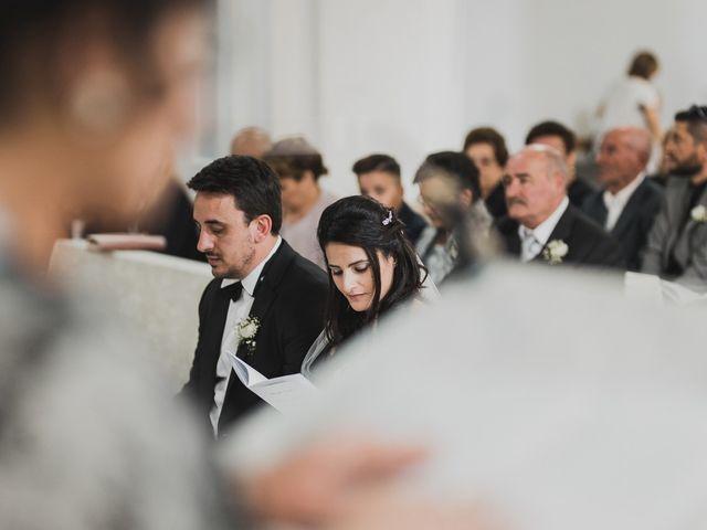 Il matrimonio di Enzo e Felicia a Petilia Policastro, Crotone 21