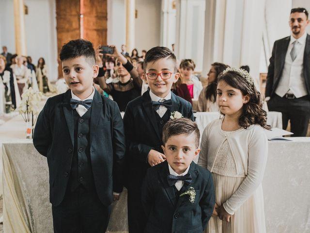 Il matrimonio di Enzo e Felicia a Petilia Policastro, Crotone 25