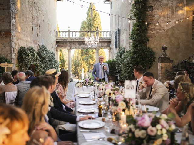 Il matrimonio di Micheal e Vicky a Monteriggioni, Siena 109