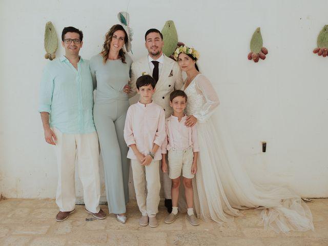 Il matrimonio di Louis e Vanessa a Manduria, Taranto 36