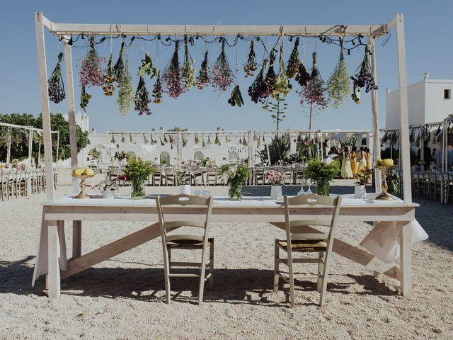 Il matrimonio di Louis e Vanessa a Manduria, Taranto 40