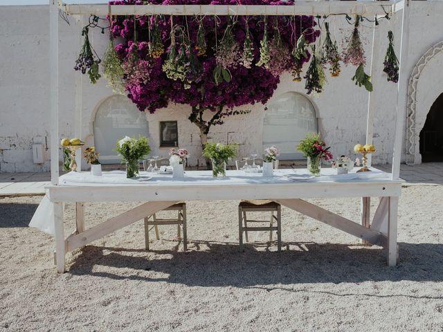 Il matrimonio di Louis e Vanessa a Manduria, Taranto 41