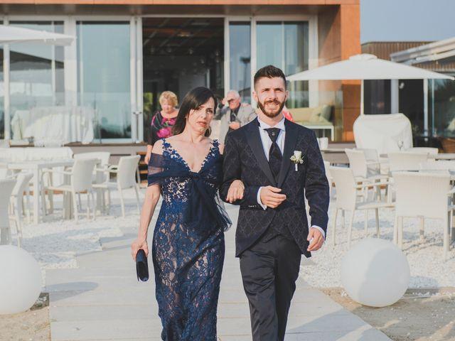 Il matrimonio di Lorenzo e Giulia a Viareggio, Lucca 18