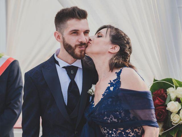 Il matrimonio di Lorenzo e Giulia a Viareggio, Lucca 19