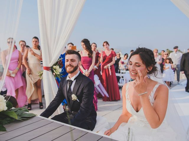 Il matrimonio di Lorenzo e Giulia a Viareggio, Lucca 24